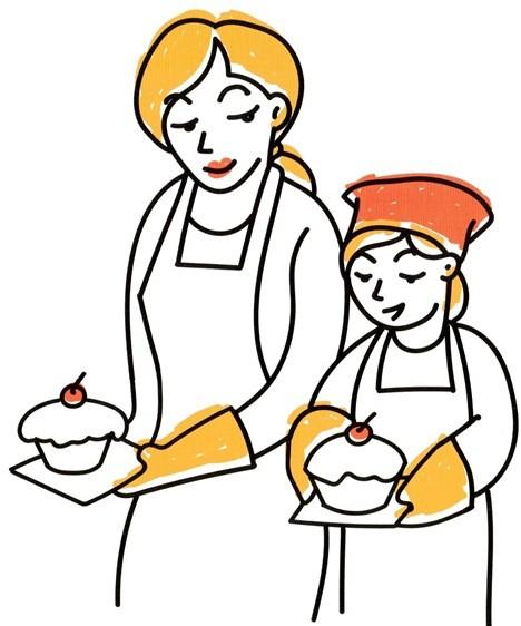 Мать и дочь держат в руках кексы